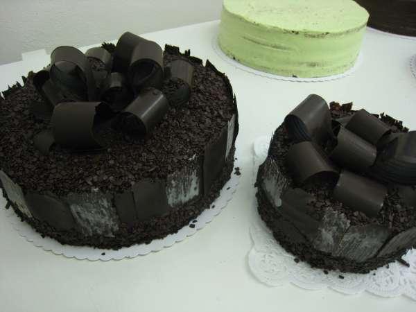 velky a maly cokoladovy dort Na přání